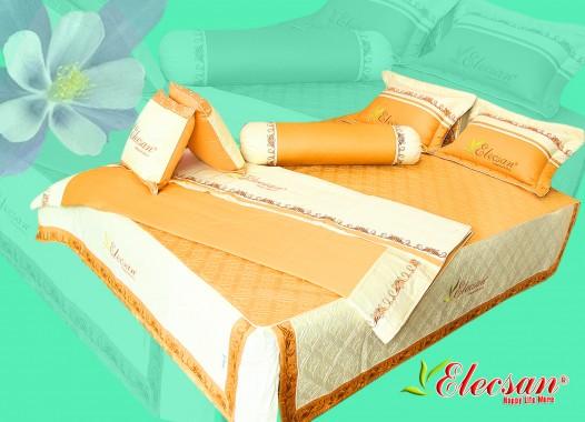 Chất liệu: Vải Solid Korea Thành phần: 2 vỏ gối đầu - 2 vỏ gối tựa - 1 vỏ gối ôm Kích thước: 150*190 - 160*200 - 180*200